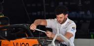 McLaren sorprende con publicidad de cigarrillos electrónicos en sus coches - SoyMotor.com
