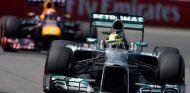 Lotus y Red Bull acusan a Mercedes de obtener ventaja de los test con Pirelli