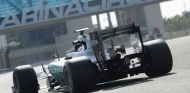 Mercedes en el test de Pirelli en Abu Dabi - SoyMotor