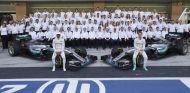 El equipo Mercedes antes de la carrera de Abu Dabi - SoyMotor