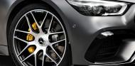 Mercedes-Benz se enfada por la llegada del nuevo Porsche Panamera - SoyMotor.com