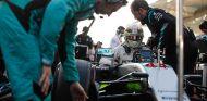 Lewis Hamilton en la parrilla de Abu Dabi 2016 - SoyMotor
