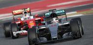 Lauda insiste en que la diferencia entre Mercedes y Ferrari es mínima - LaF1