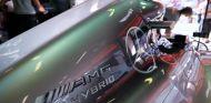 Los Mercedes llegan a Europa sin querer ceder ni una décima