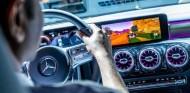 La aplicación permite hacer uso de los pedales y volante para controlar los cochecitos del videojuego - SoyMotor.com
