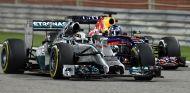 MErcedes niega órdenes de equipo en Baréin; Red Bull sí que las tuvo - LaF1