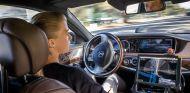 Uber incluirá coches autónomos de Mercedes-Benz en su flota - SoyMotor.com