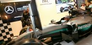 Mercedes ofrece la posibilidad de probar su simulador a sus fans