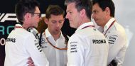 Andy Shovlin, James Allison y Toto Wolff - SoyMotor.com