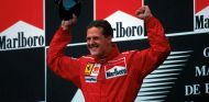 Schumacher tras ganar su primera carrera con Ferrari, en Barcelona - SoyMotor