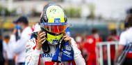 ¿Por qué Mick Schumacher 'examina' al resto de coches tras las carreras? - SoyMotor.com