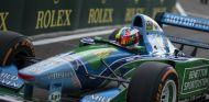 Mick subido al Benetton B194 en Spa - SoyMotor.com