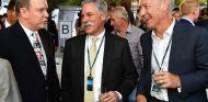 Príncipe Alberto de Mónaco, Chase Carey y Greg Maffei en Mónaco - SoyMotor.com