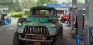 Monster Trucks la película: Un desvarío y hilarante