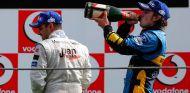 Juan Pablo Montoya y Fernando Alonso en Monza - SoyMotor.com