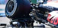 Verstappen explica por qué no se paró a ver cómo estaba Hamilton tras su accidente en Monza - SoyMotor.com