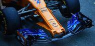 Morro y alerón delantero del MCL33 en Barcelona - SoyMotor.com