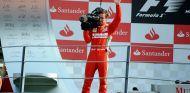 Fernando Alonso en el podio de Italia 2012 - SoyMotor