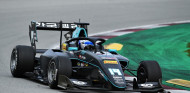Matteo Nannini aprovecha la parrilla invertida y gana por primera vez en F3