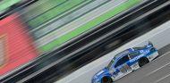 Dale Earnhardt Jr. con el coche del equipo Hendrick Motorsport - LaF1