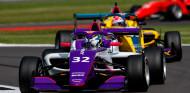 Nerea Martí sigue sumando: quinta en un Silverstone con victoria de Powell - SoyMotor.com