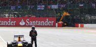 Sebastian Vettel tras abandonar cuando era líder del Gran Premio de Inglaterra - LaF1