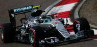 Nico Rosberg consigue su primera pole de la temporada - LaF1