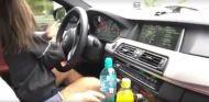niña conduce - SoyMotor.com