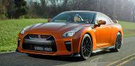 El Nissan GT-R se deja ver en carretera tras su presentación - SoyMotor