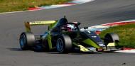 W Series: García, 13ª en unos Libres 1 con bandera roja en Norisring - SoyMotor.com