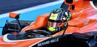 Lando Norris durante el test de Abu Dabi con McLaren - SoyMotor.com