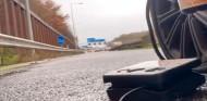 Lando Norris, tirado en carretera por un pinchazo - SoyMotor.com
