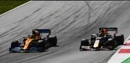 Verstappen ve a Norris y Russell en la lucha por títulos en el futuro - SoyMotor.com