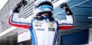 Nyck de Vries en una carrera de la Eurocup Formula 2.0 - LaF1.es