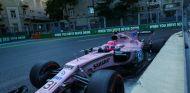 Ocon durante el Gran Premio de Azerbaiyán 2017  - SoyMotor.com