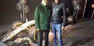 Mallya y Ocon después de anunciar el fichaje del francés por Force India - SoyMotor