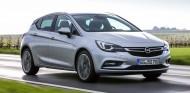 El Opel Astra dibuja una opción más prestacional y 'picante' en su gama con este motor BiTurbo - SoyMotor