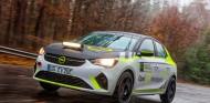 El Opel Corsa de la e-Rally Cup ya rueda