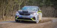 Vídeo: así es el particular sonido del Opel Corsa-e Rally... generado por altavoces - SoyMotor.com
