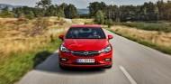 El Opel Astra pone el relevo al Volkswagen Passat en este prestigioso galardón - SoyMotor