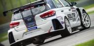Pepe Oriola inicia su temporada en el TCR Asia con podio - SoyMotor.com
