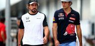 Carlos Sainz junto a Fernando Alonso - LaF1