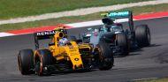 Jolyon Palmer y Nico Rosberg en Malasia - LaF1