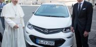 Opel Ampera e nuevo Papamóvil - SoyMotor.com