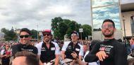 Le Mans se echa a la calle en la tradicional Parade des Pilotes - SoyMotor