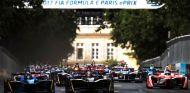Monoplazas de Fórmula E durante el ePrix de París 2017 - SoyMotor.com