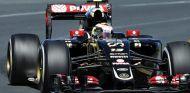 Pastor Maldonado rodando con el E23 de Lotus en Albert Park - LaF1.es