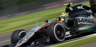 Pérez durante una carrera esta temporada - SoyMotor
