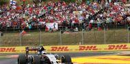 Sergio Pérez pasando por la chicane del circuito de Hungaroring - LaF1