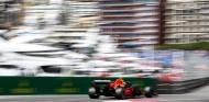 Pérez lidera los Libres 1 de Mónaco con blandos; Sainz, segundo con medios - SoyMotor.com